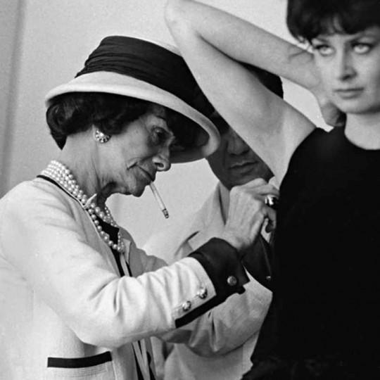 Historija brenda: Kako je Chanel postao jedna od najutjecajnijih modnih kuća?